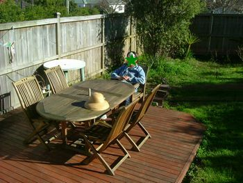 060625 outdoortable02.jpg